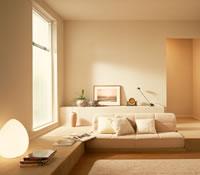 インテリアテクニックの低い家具で広く見せる